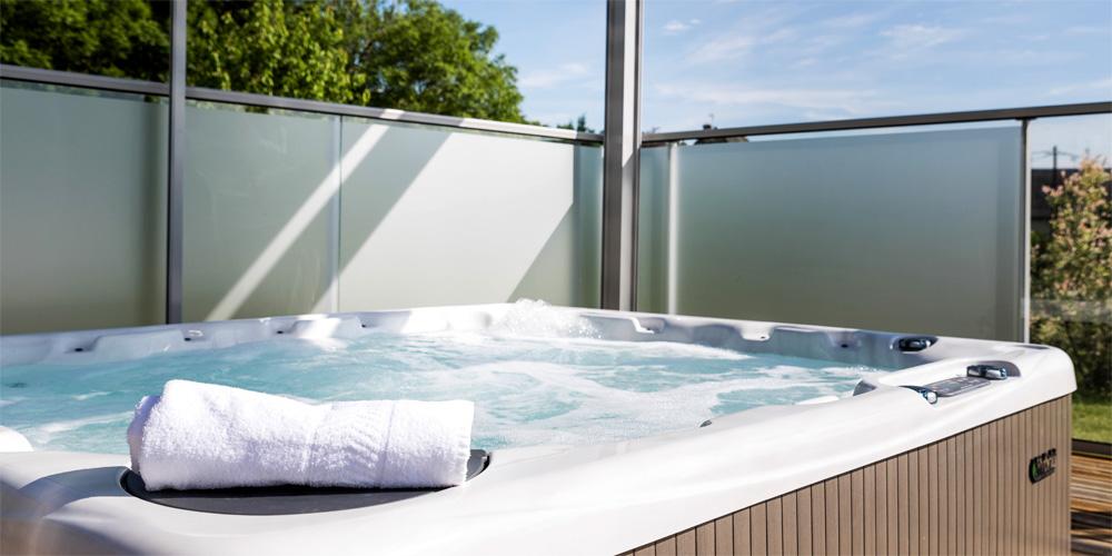 villa lot location de vacances en aveyron villas de labro. Black Bedroom Furniture Sets. Home Design Ideas